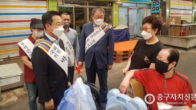 박성준 의원, 추석 앞두고 전통시장 방문